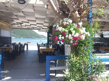 Ponti beach taverna
